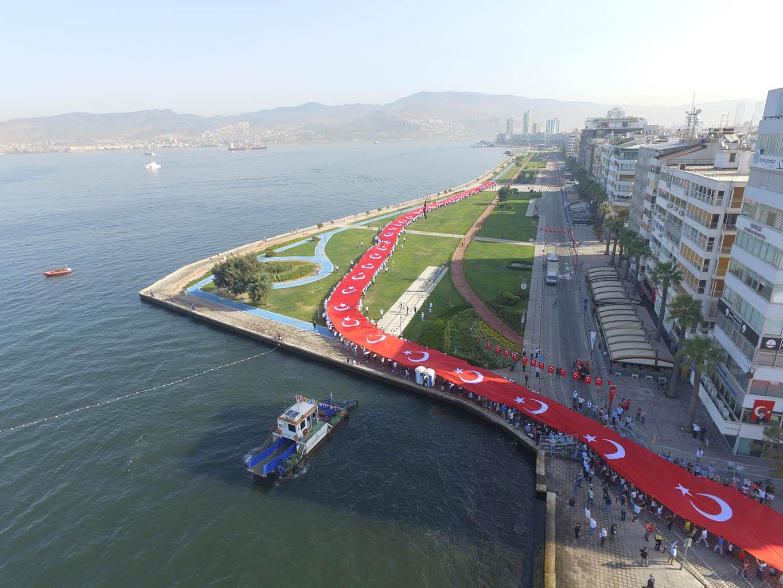 350 Metre Kortej Bayrağı - İzmir